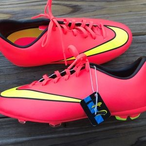 Nike Jr Cleats Jr. Support Young Boys Pinkish Oran